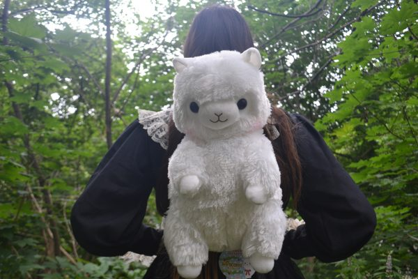 Alpacasso-white-backpack-amuse